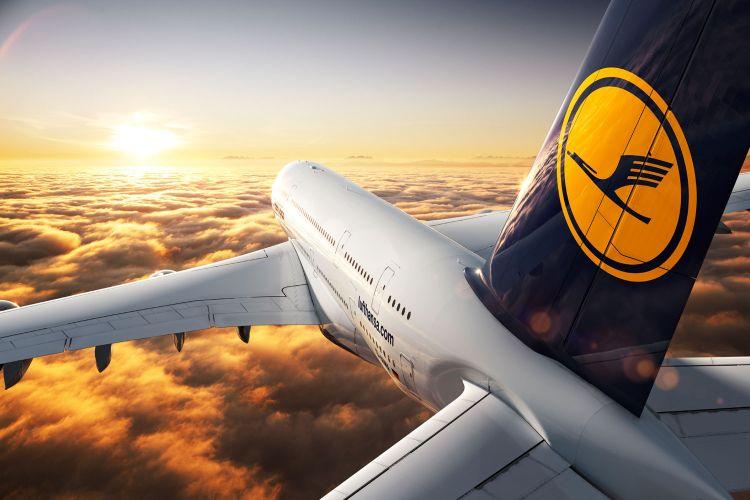 IBM, HP, Atos… kto kupi duży dział Lufthansa Systems?