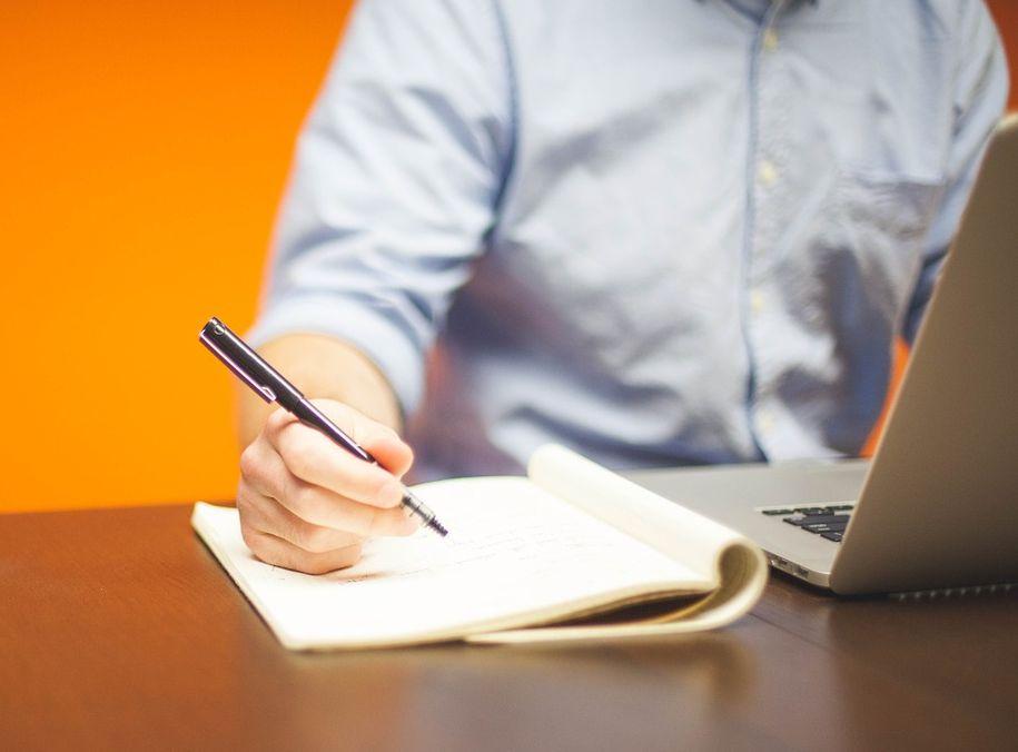 Jakich pracowników poszukują dostawcy usług outsourcingu?
