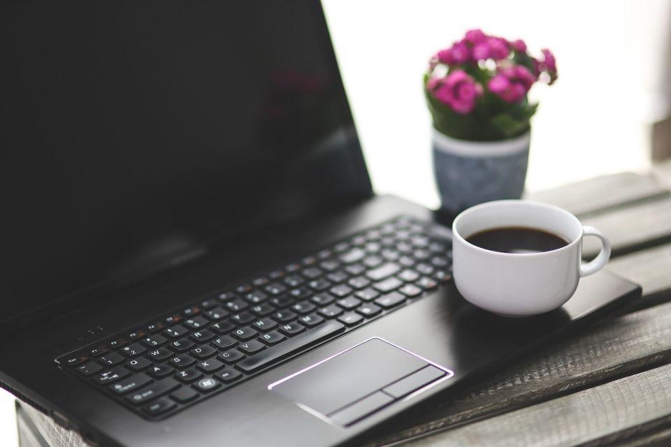 Koronawirus: praca typu home office i digitalizacja procesów – jak wprowadzić w krótkim czasie?