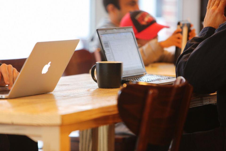 mobilnosc_laptop_kawa