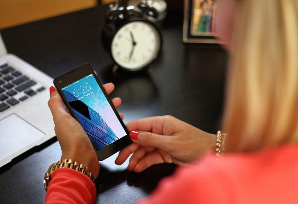 Od czego zależy efektywność komunikacji z klientami?