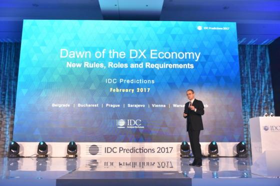 IDC: bardzo duże spadki sprzedaży sprzętu IT w roku 2016