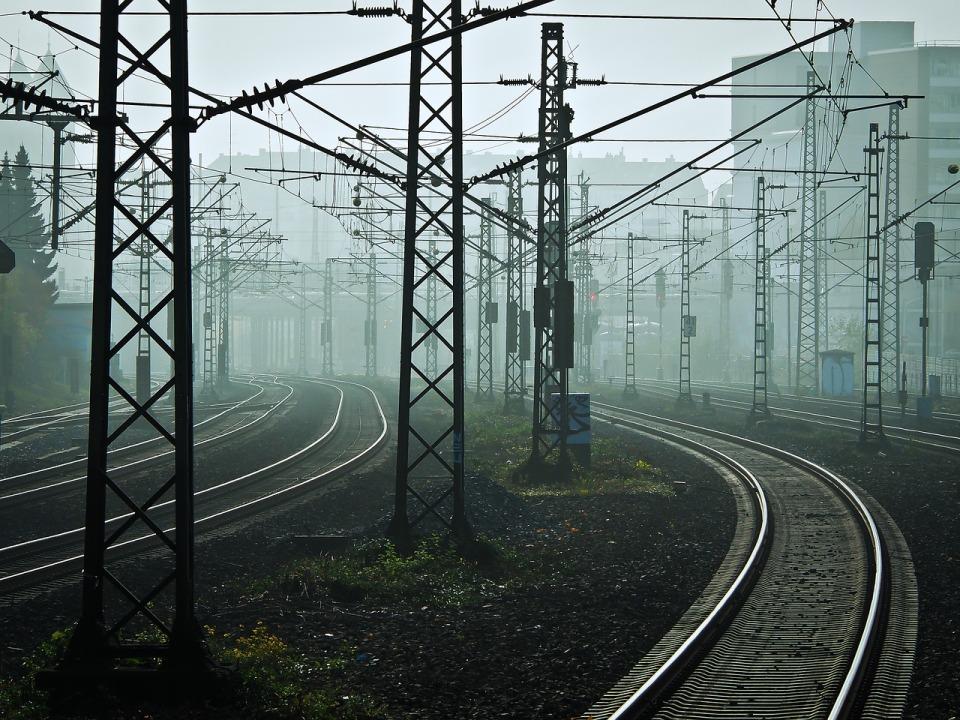 Czołowy dostawca rozwiązań elektroenergetycznych dla kolei wdrożył system firmy IFS