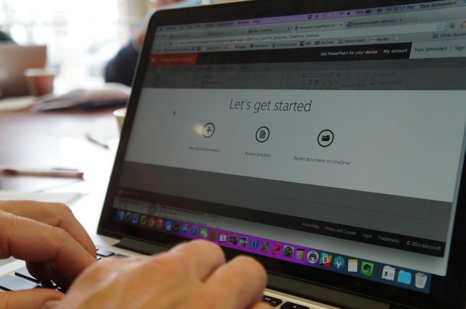Microsoft, EY i Senfino uruchomią w Warszawie centrum wsparcia startupów