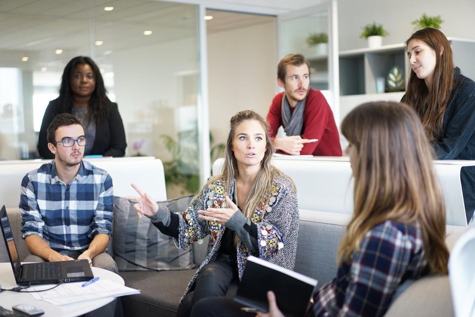 Nowe technologie nie wystarczą do poprawy efektywności, zaangażowania i innowacyjności pracowników