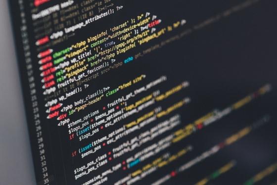 7 branż, w których znajdziesz pracę jako początkujący programista