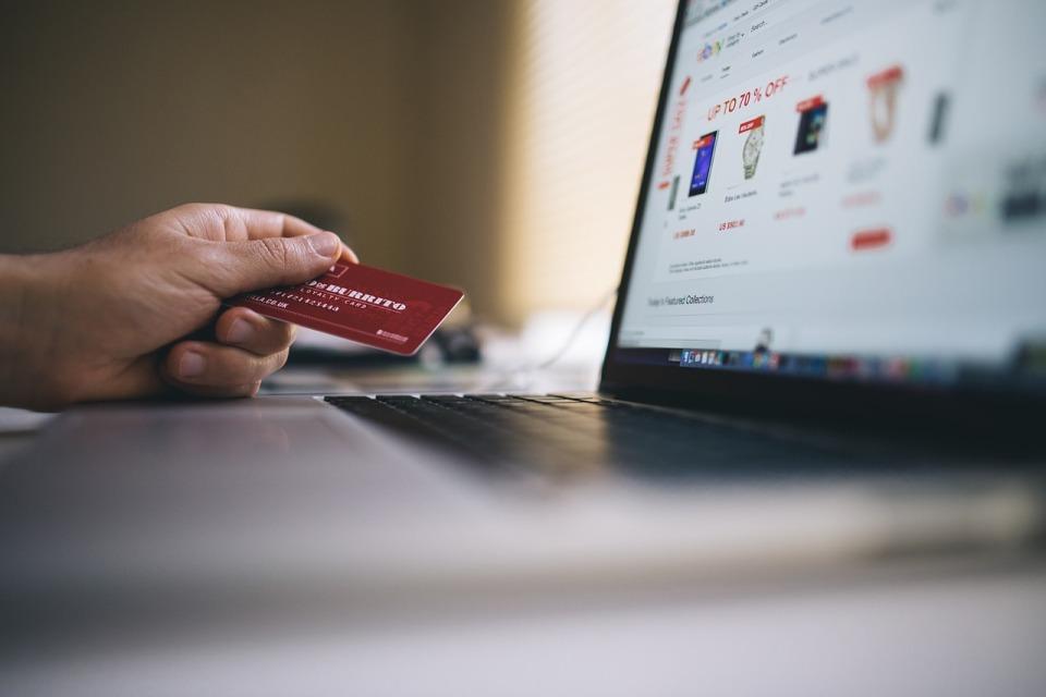 W Polsce mamy już ponad 44 tys. sklepów internetowych