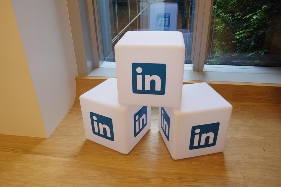 Microsoft integruje aplikacje biznesowe z serwisem LinkedIn