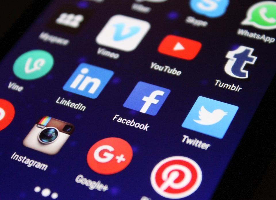 Facebook Messenger z nowymi funkcjami dla użytkowników biznesowych