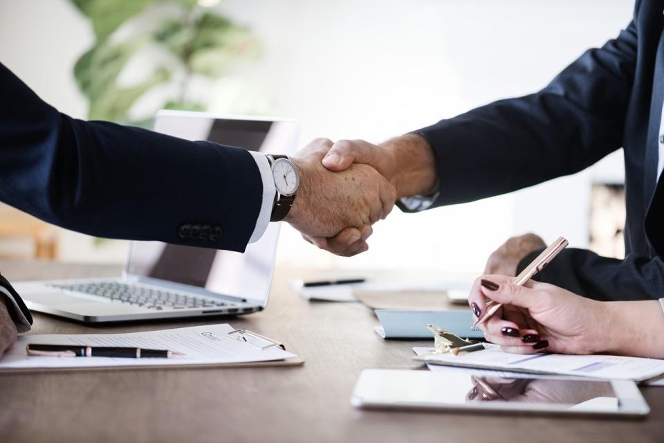 Atos przejmuje Syntel, wzmacnia ofertę i skalę działalności