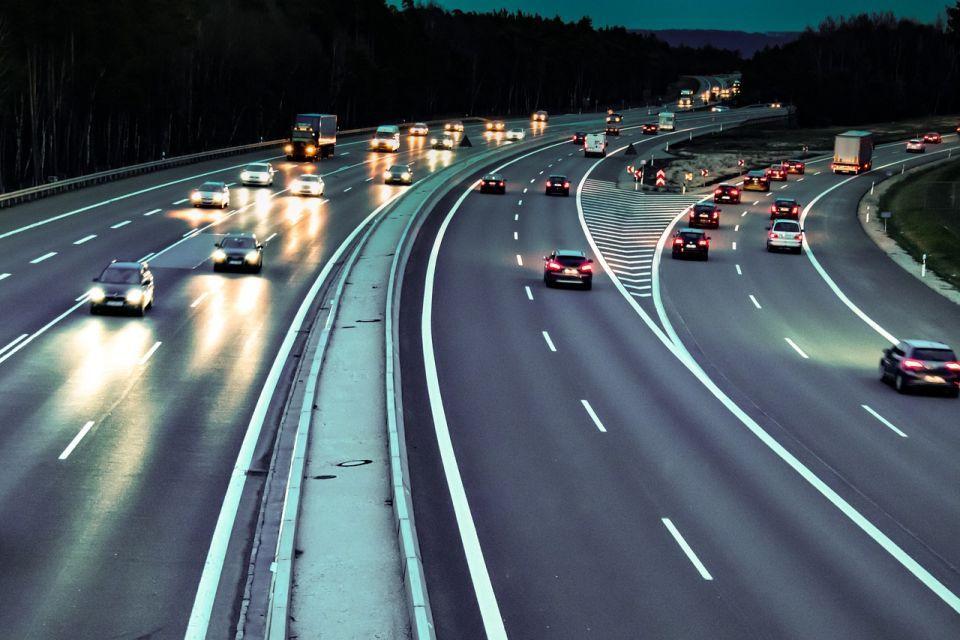 Europejskie zamieszanie wokół samochodowego Wi-Fi