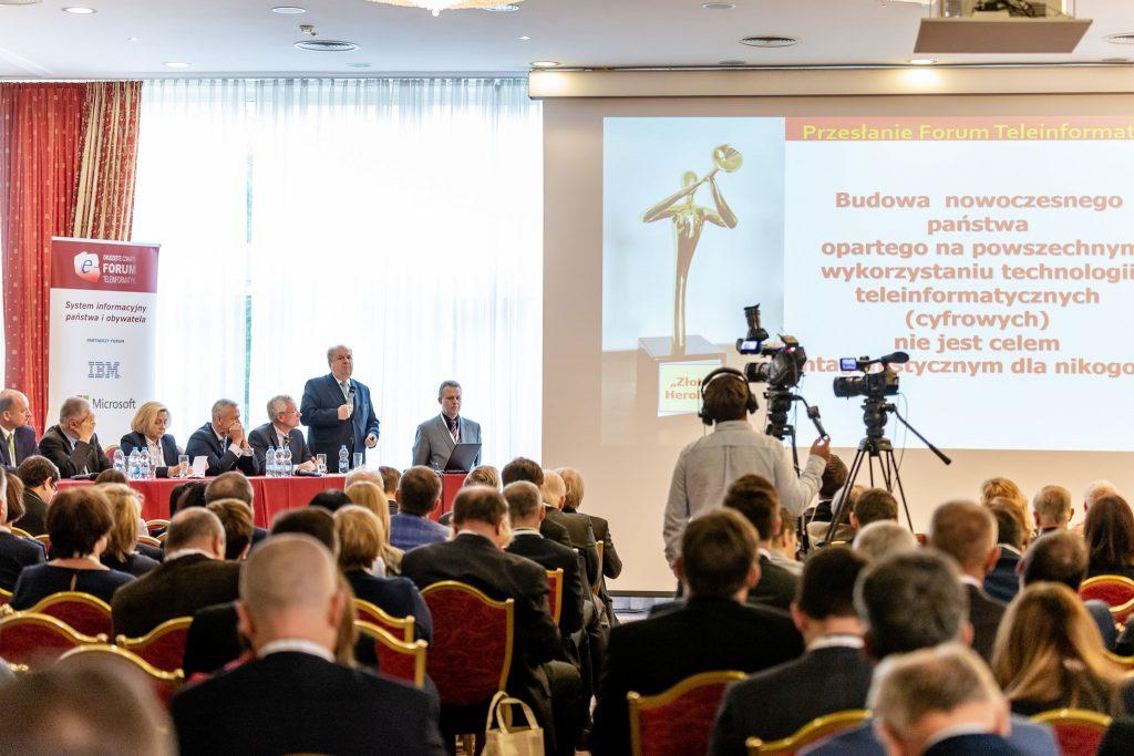 """XXV Forum Teleinformatyki: """"Polska '25 – strategie i praktyki cyfrowej transformacji"""""""