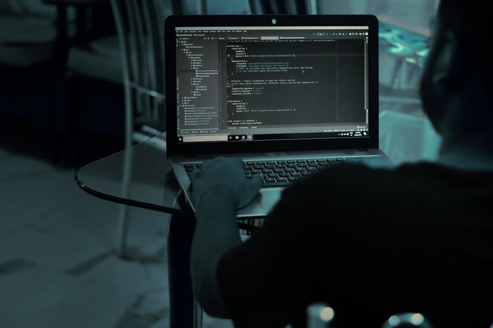 Cybereason: 25 operatorów telekomunikacyjnych padło ofiarą hakerów