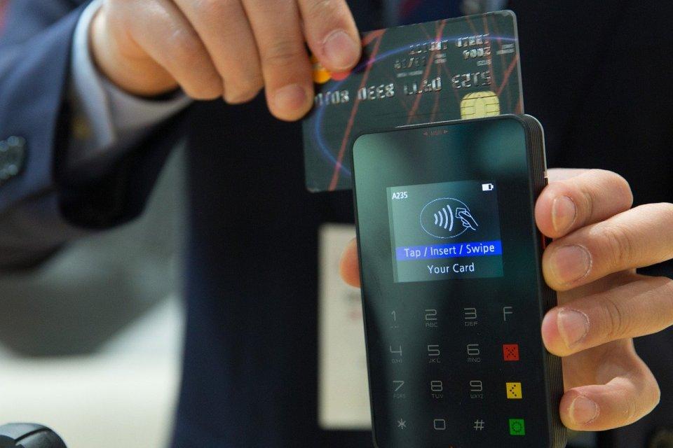 Firmy technologiczne przewyższają banki lepszą obsługą klienta
