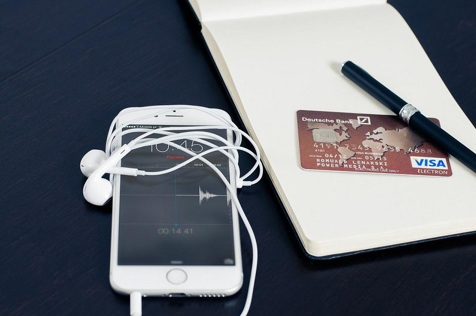 Technologia PIN on Mobile umożliwia przyjmowanie płatności zbliżeniowych na smartfonach i tabletach