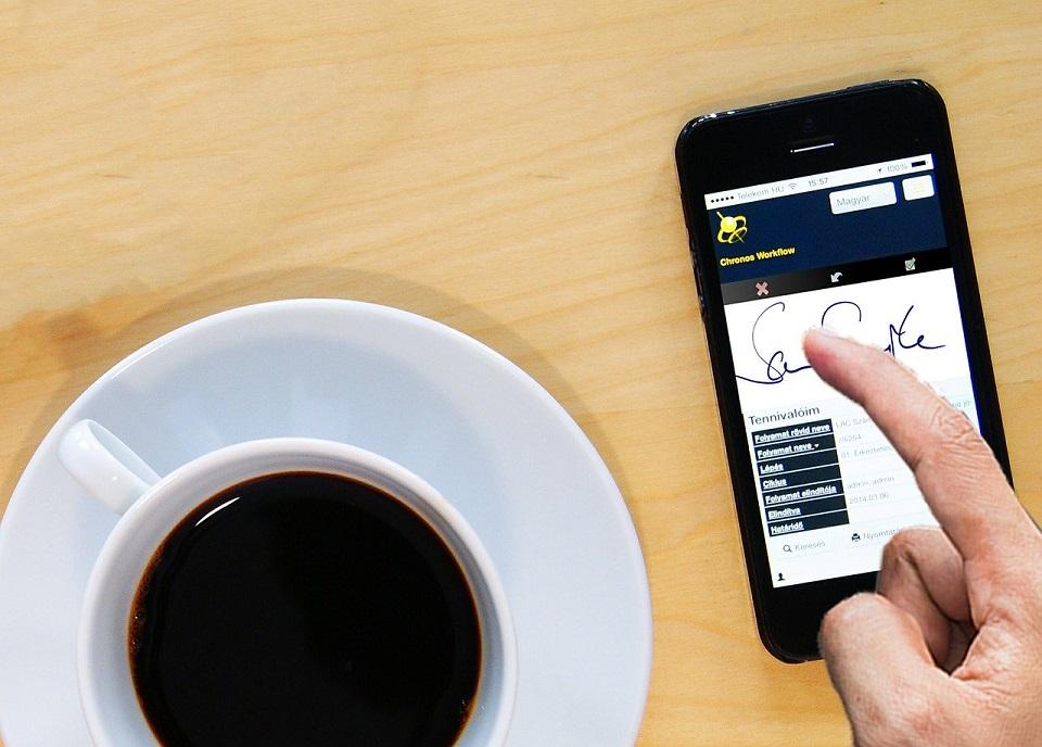 Polskie firmy nie podchodzą systemowo do narzędzi paperless – tylko 53% organizacji posiada rozwiązania do e-podpisu
