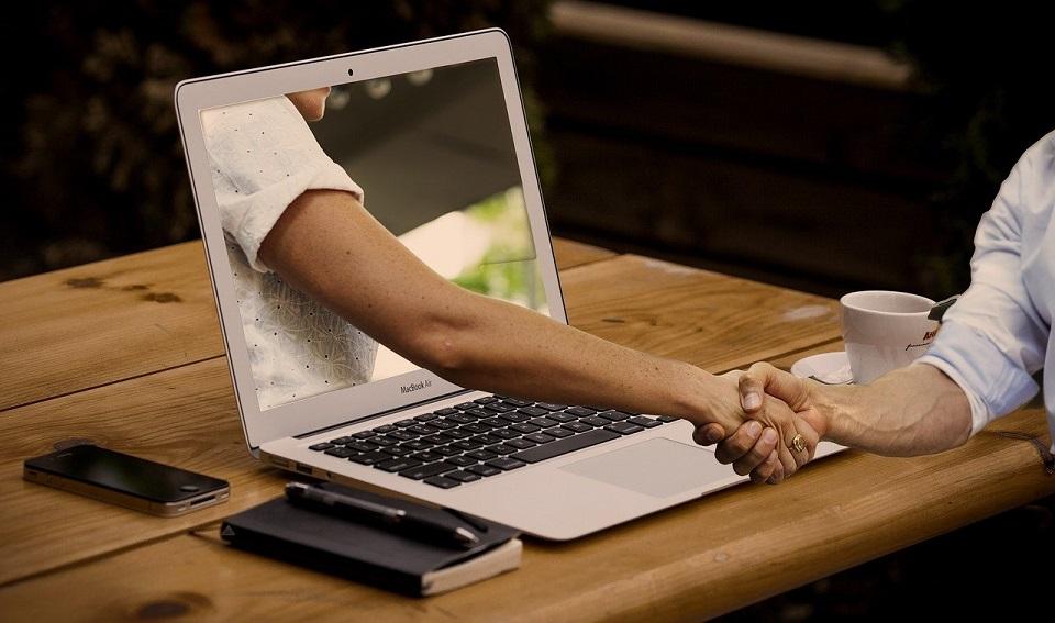 Rekrutacja online skutecznym sposobem na nabór pracowników w obliczu pandemii koronawirusa