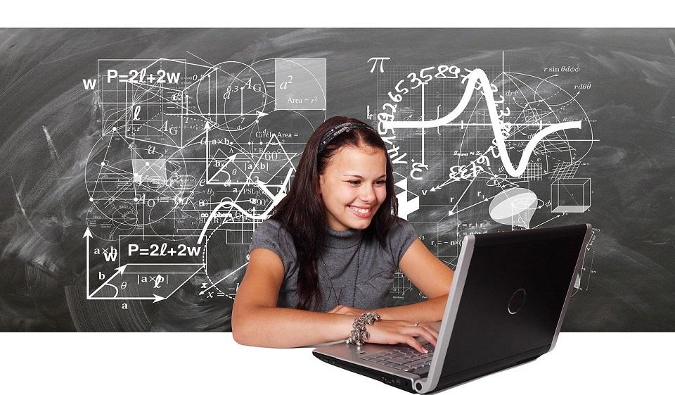 Bezpłatne narzędzia do organizowania zdalnych lekcji w szkole lub webinariów