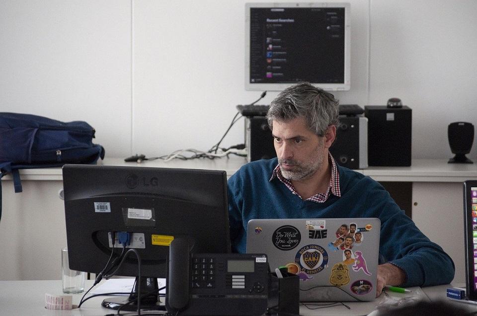 Branża IT nadal szuka nowych pracowników i jest gotowa płacić im więcej niż dotychczas