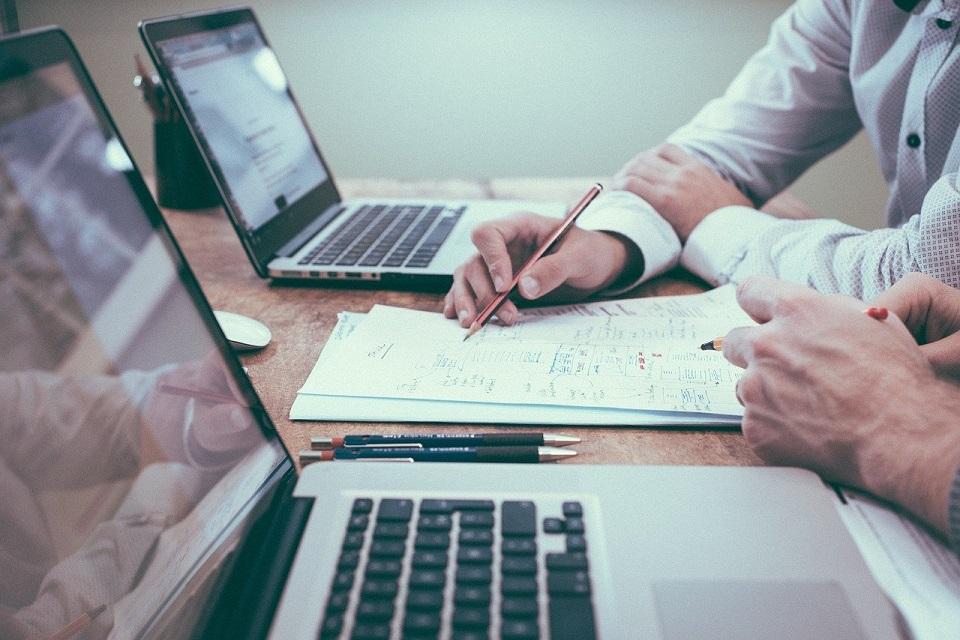 Badanie SAP i Oxford Economics: Jak rosną firmy optymalizujące łańcuchy dostaw?