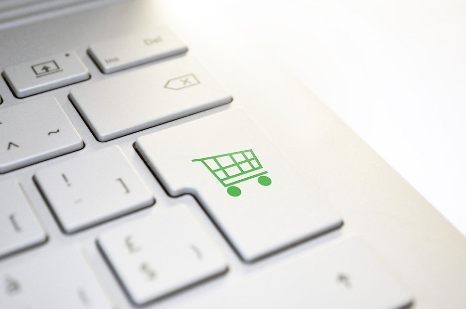 Sektor handlowy przyśpiesza digitalizację sprzedaży wielokanałowej