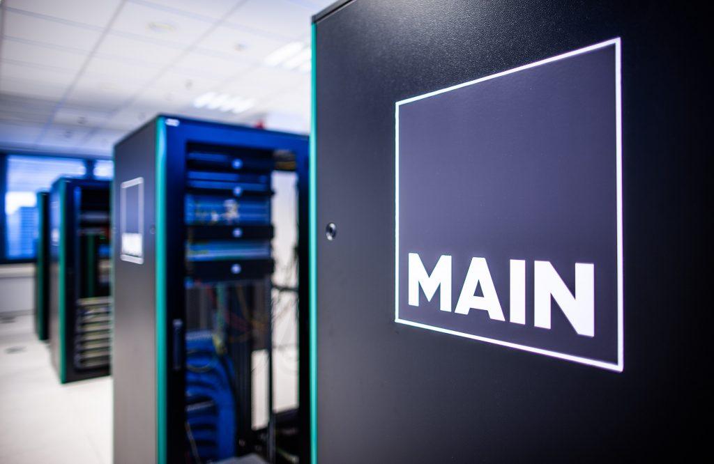MAIN i Equinix podpisały umowę partnerską, aby pomóc w procesie migracji do chmury