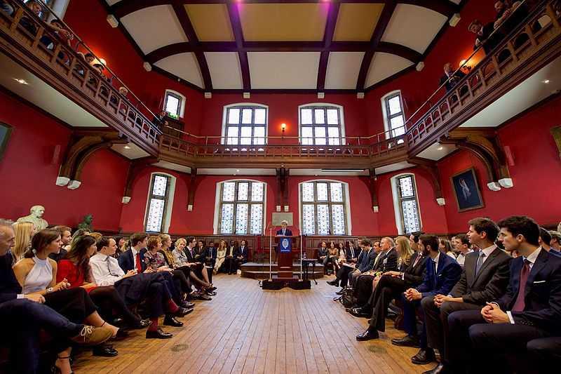 Kontrowersyjne tezy, mocne polemiki, błyskotliwi mówcy. Trzy debaty oksfordzkie ITwiz i CXO HUB na Kongresie 590!