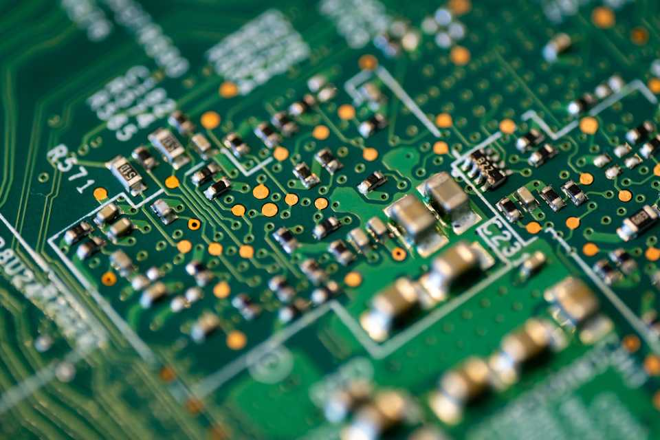 Intel wygrał w USA rządowy przetarg dotyczący rozwoju wyspecjalizowanych układów obliczeniowych