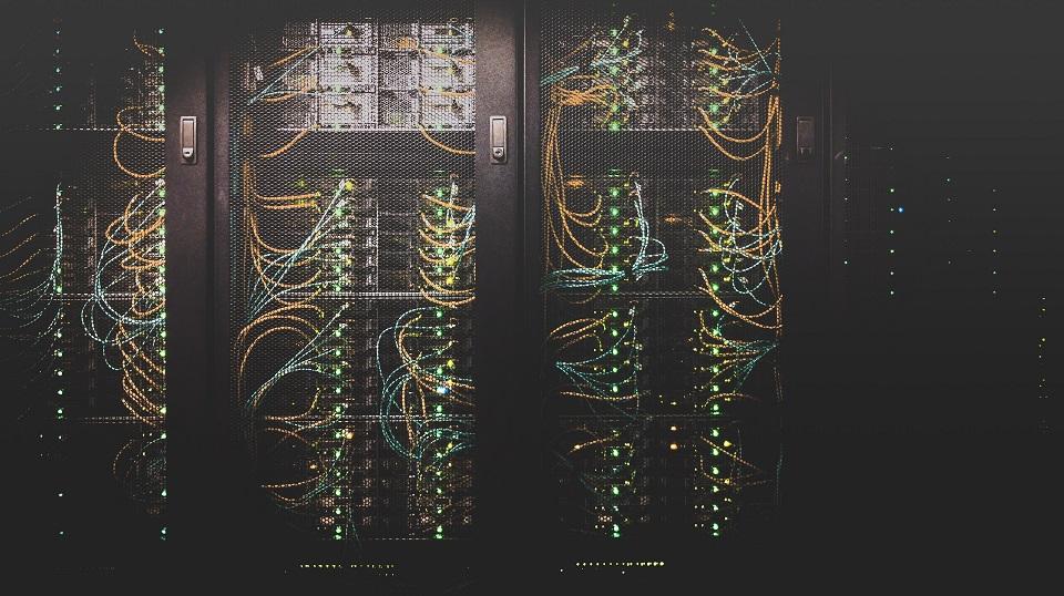 Operatorzy telekomunikacyjni budują nowe centra danych w Warszawie