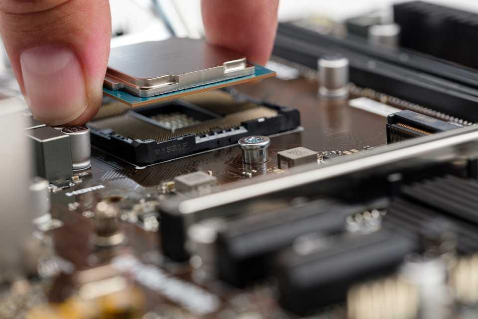 64-bitowy procesor ARM R a historia kolejnych przełomów