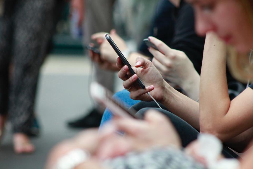 Telefony komórkowe w XXI wieku: cenne źródło danych o nas