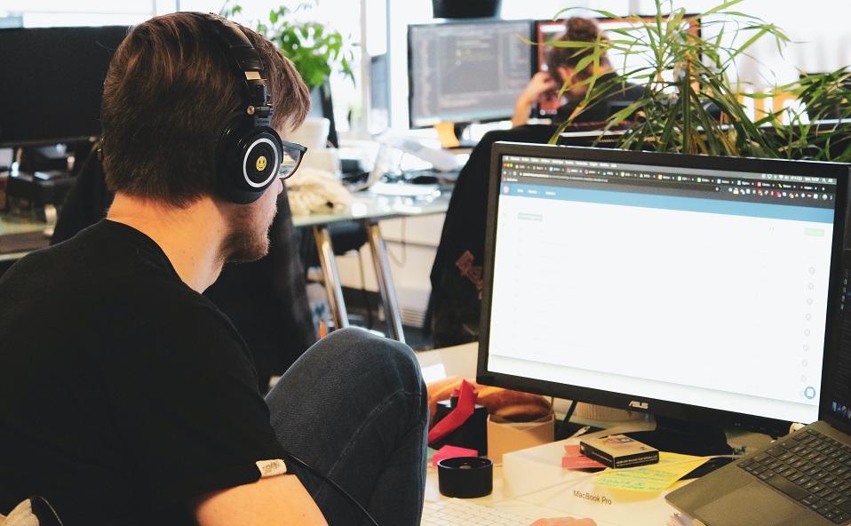 Dlaczego warto zatrudniać juniorów w IT?