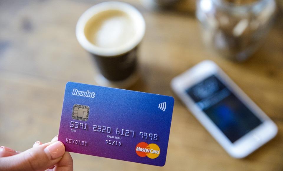 Dlaczego konsumenci nie ufają challenger bankom? Czy mają one przyszłość?