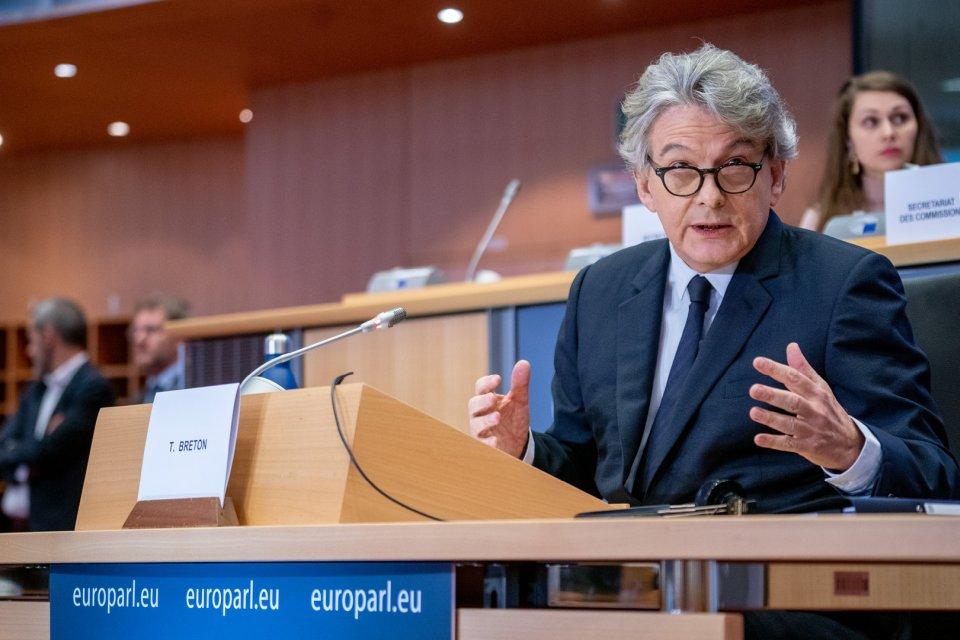 Unia Europejska zainwestuje w produkcję półprzewodników i logistykę