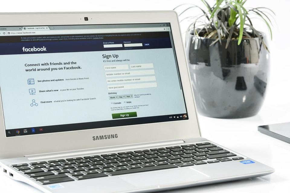 Polacy w social mediach – na Facebooku szukamy wsparcia, na Twitterze politykujemy, a na Instagramie wszystko jest piękne