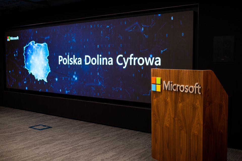 Budowa centrów danych Microsoft w Polsce zgodnie z planem